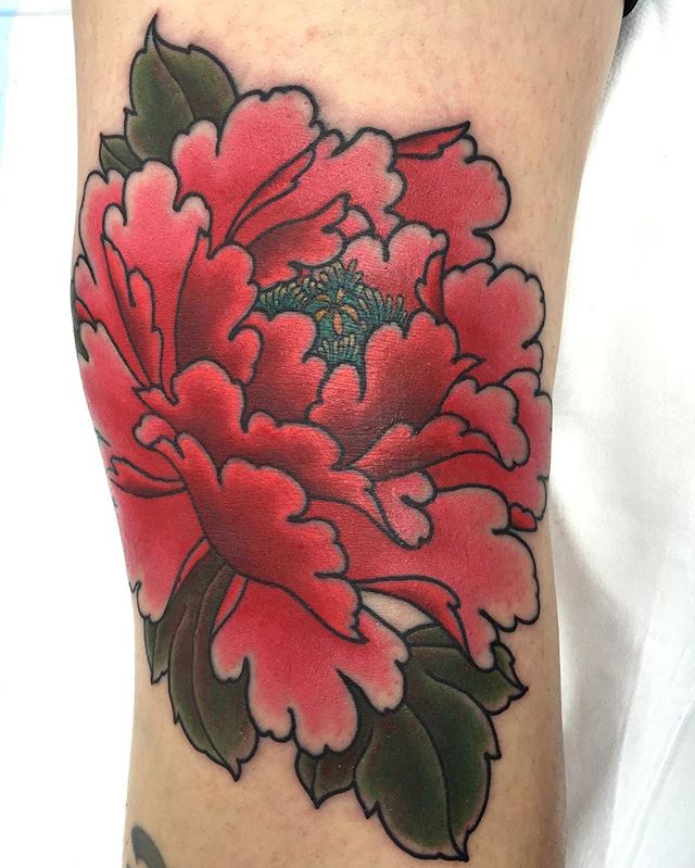 Peony in the back of the knee ditch @lighthouse_tattoo One hit. Tough customer. FOR BOOKINGS... w: lighthousetattoo.com.au e: contact@lighthousetattoo.com.au ph: (+61 2) 9316 4565